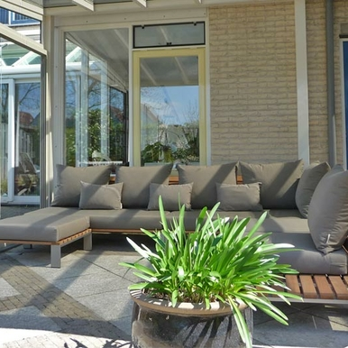 Loungepatio, Sittingimage