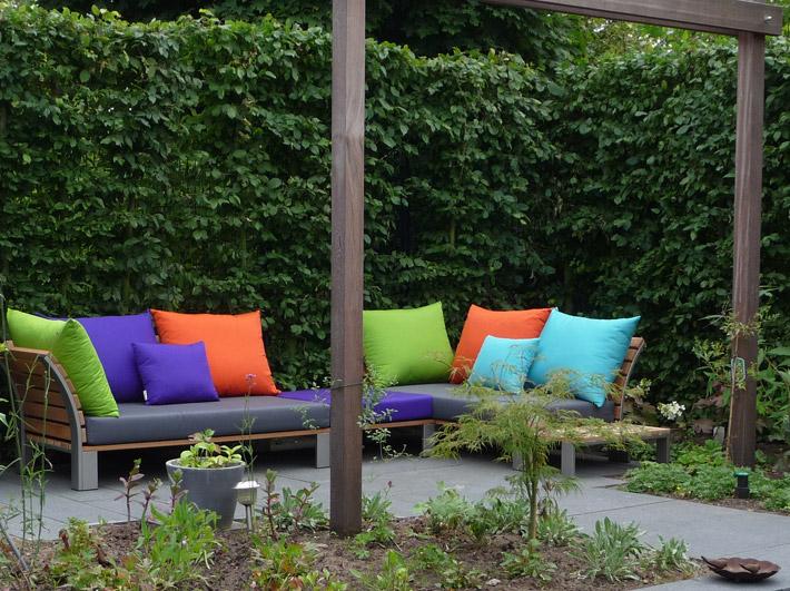 Tuinmeubilair op locatie sittingimage eigentijdse buitenmeubelen - Tuin meubilair ...